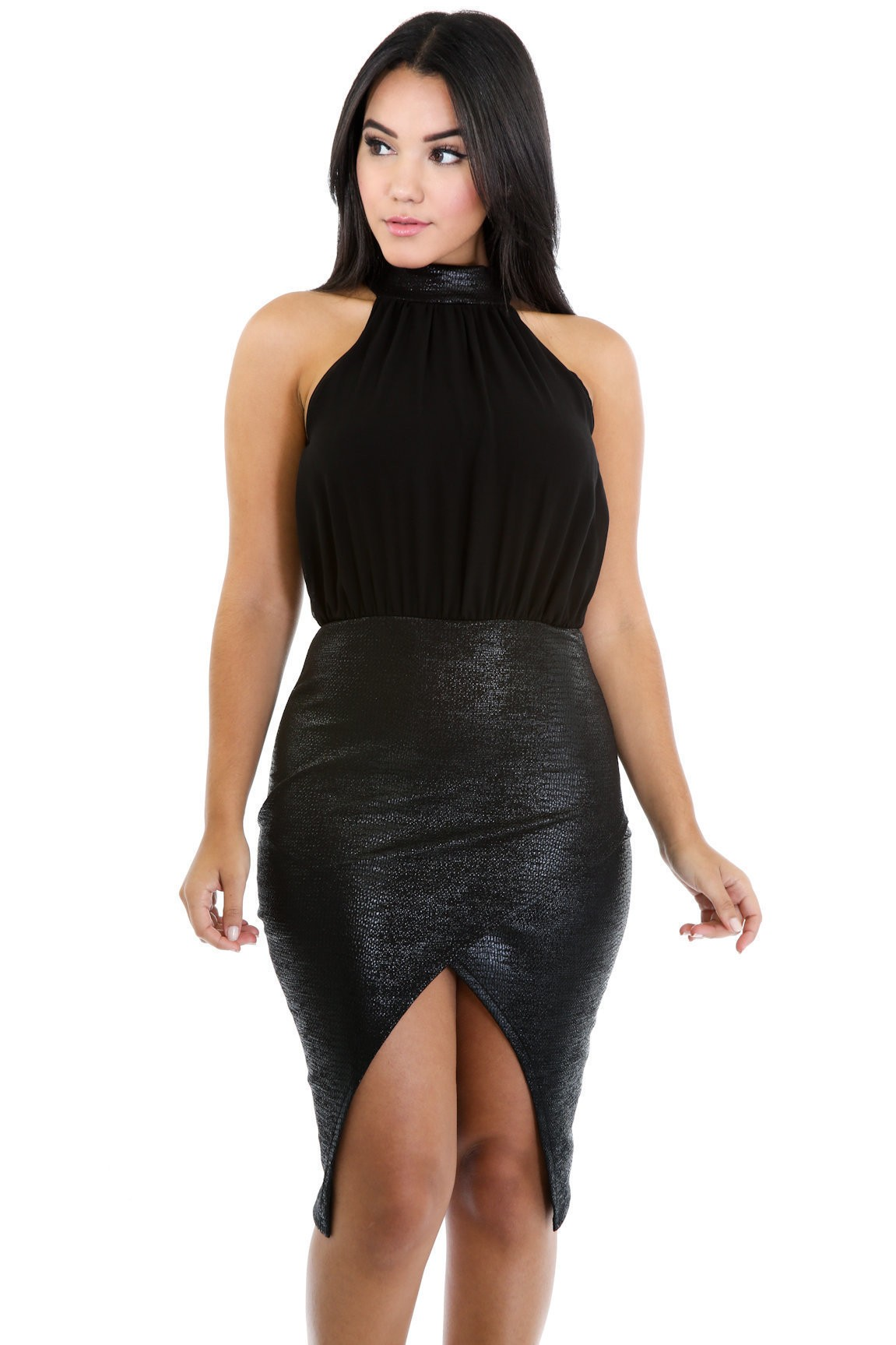 Alligate in Elegancy Dress